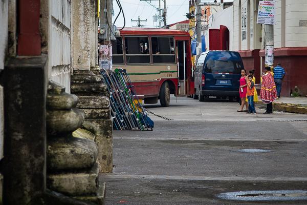 Bus stop @Leòn